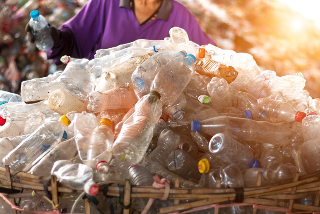 環境にとって朗報かも! 最も一般的なプラスチック(ポリエチレン)の新しいアップサイクル方法