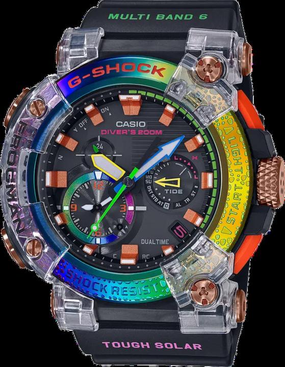 G-SHOCKのフロッグマン、希少なカエルをモチーフに虹色に反射するモデルを作る