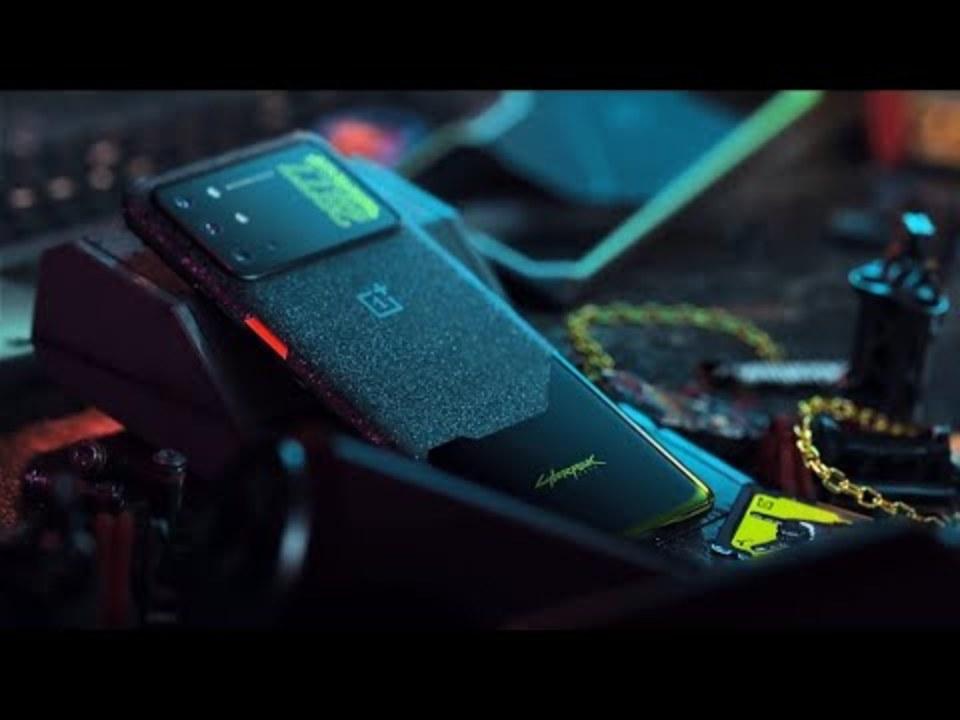 うっとりするほどかっこいい...。『サイバーパンク2077』コラボのスマートフォン