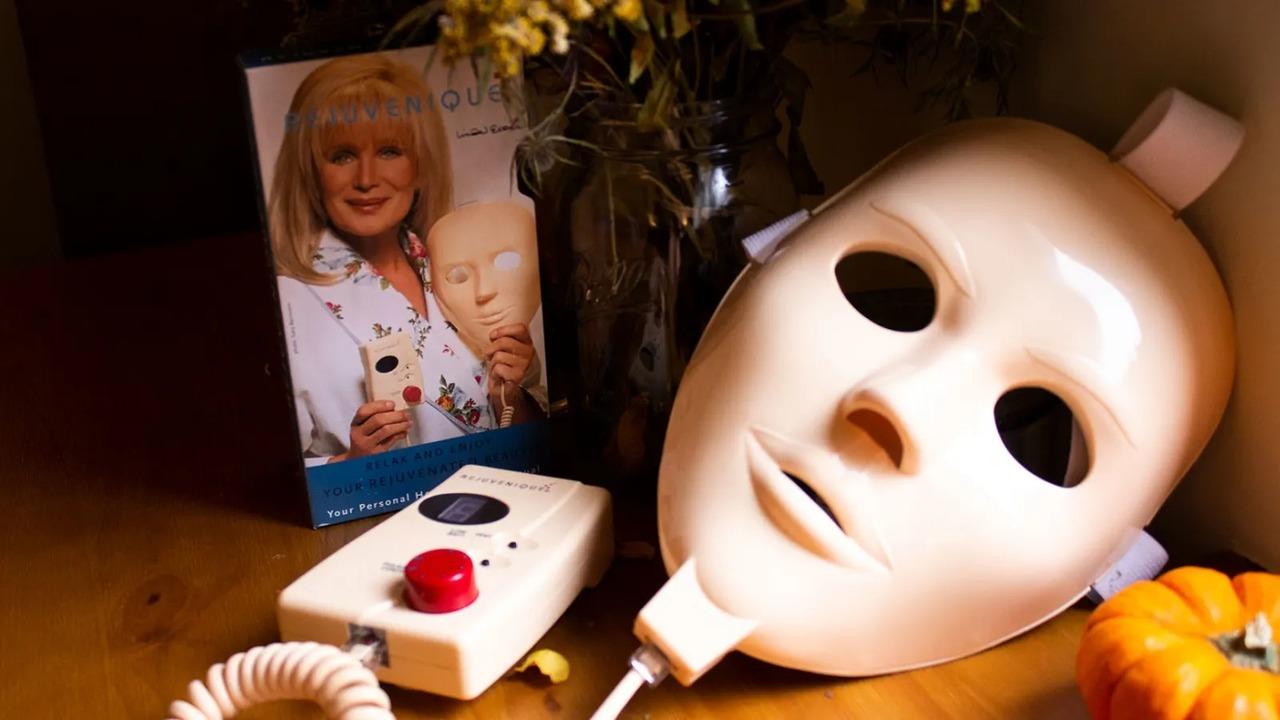 90年代のスケキヨ美顔マスクが全くのポンコツなんですけど!