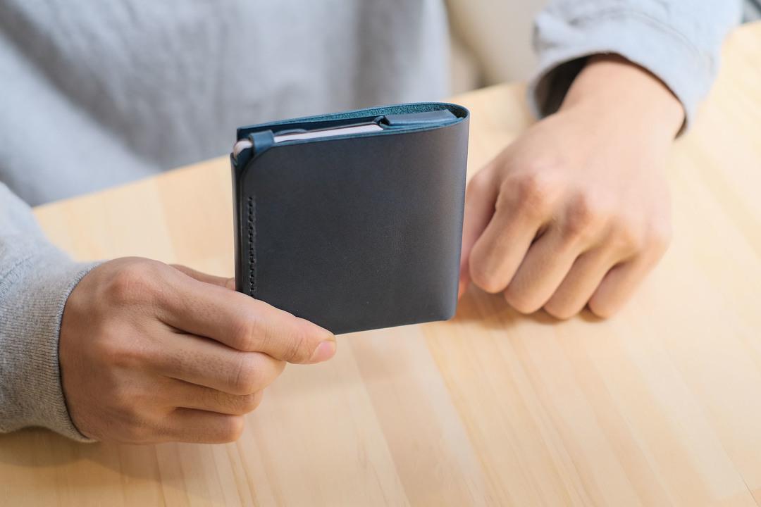 使いやすさは折り紙付き!? 人気のミニマルなお財布「usuha2」を2週間使ってわかったこと