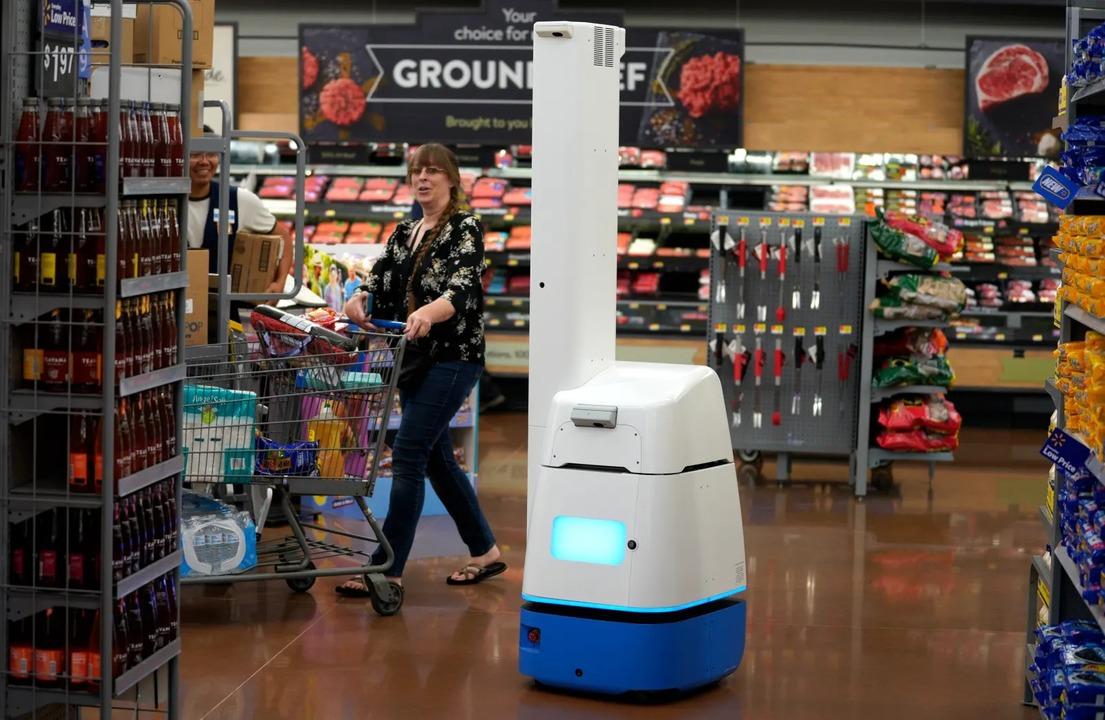 米ウォルマート、「人件費」削減のためロボットをクビに
