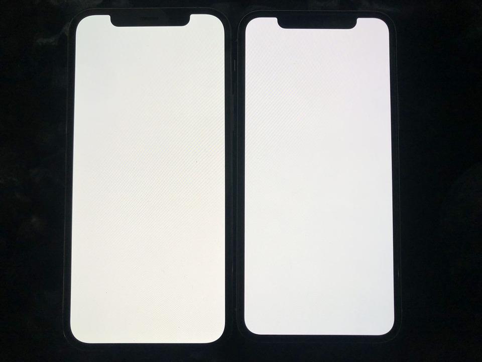 一部のiPhone 12/12 Pro、画面が黄色いかも…