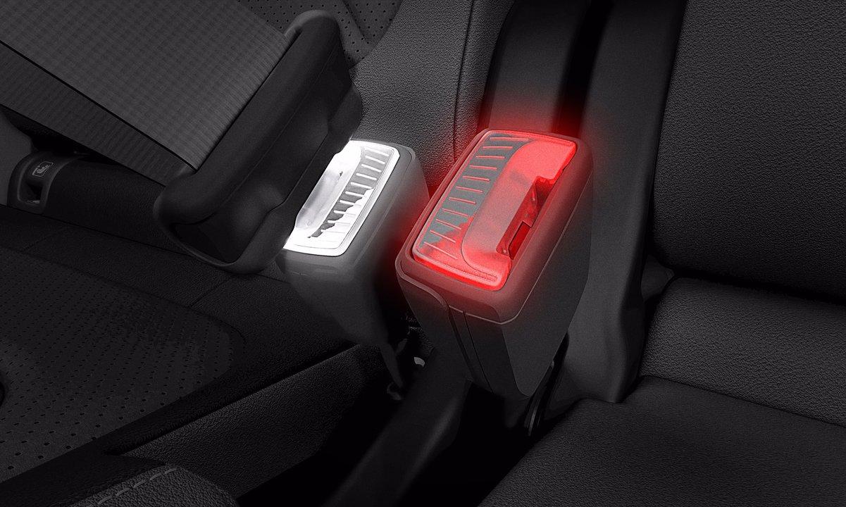 自動車メーカーのシュコダ、光るシートベルトのバックルで世界特許を取得
