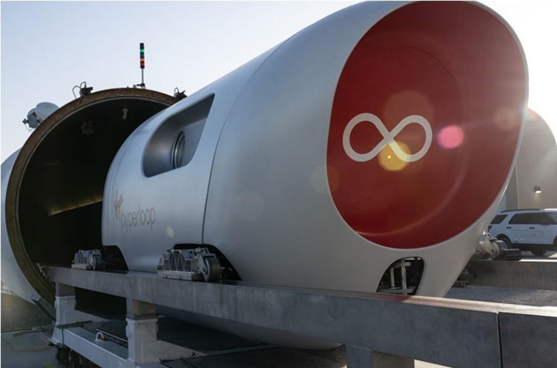 500mの筒内を時速172kmで爆走! Virgin hyperloopの「XP-2」ポッドが初の乗客走行テストに成功