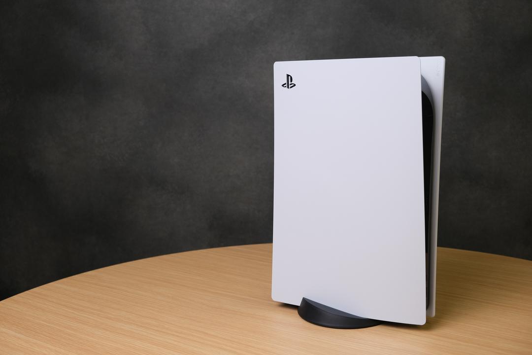 シンプル、しかしてシンプルなり…! 「PS5」フォトレビュー