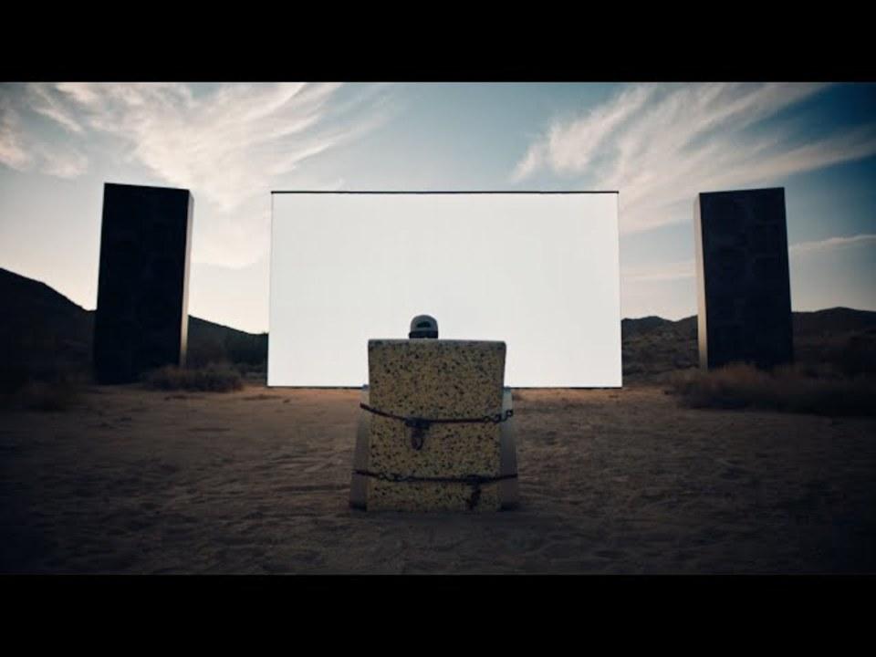 トラヴィス・スコットのPS5アンボックス動画。内容もりだくさんなのに、アンボックスだけしてない