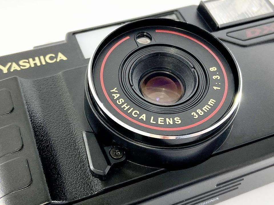 すぐに見れないからワクワク! YASHICAのお手軽フィルムカメラ 「MF-2 super」の先行販売が終了間近