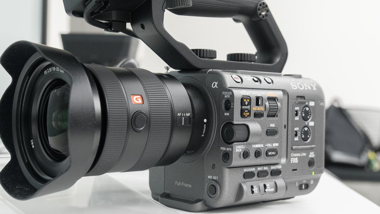 ソニーのαシリーズにシネマカメラ「FX6」が仲間入り。暗闇見通し番長でリーズナブル