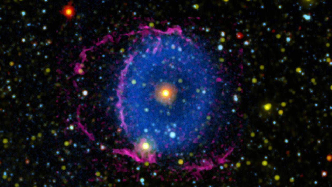 宇宙に浮かぶ巨大な「眼」。その謎が16年越しに解明されました