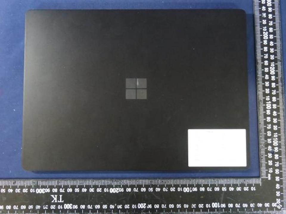 Surface Pro 8/Laptop 4の画像がリーク。中身の進化に期待