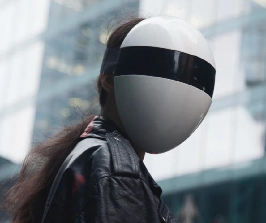 ダフト・パンクみたい? HEPAフィルター内蔵フェイスマスク「BLANC」