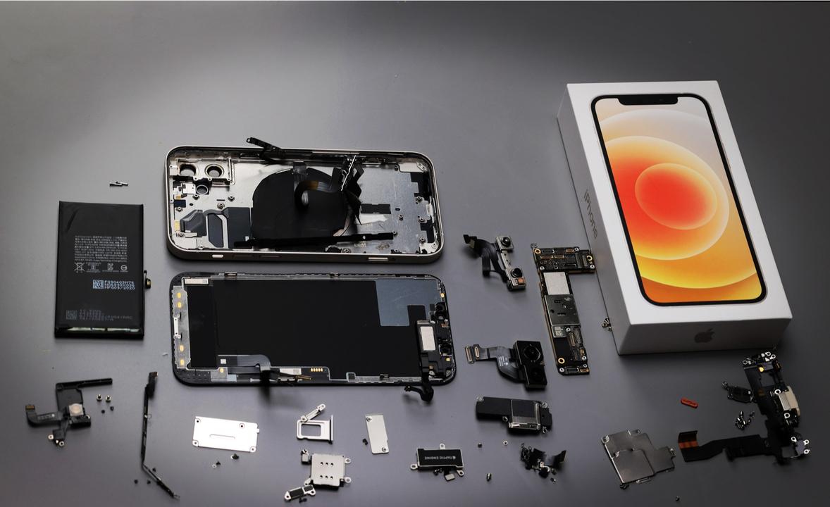iPhone 12の無線充電/バッテリートラブルあれこれ…