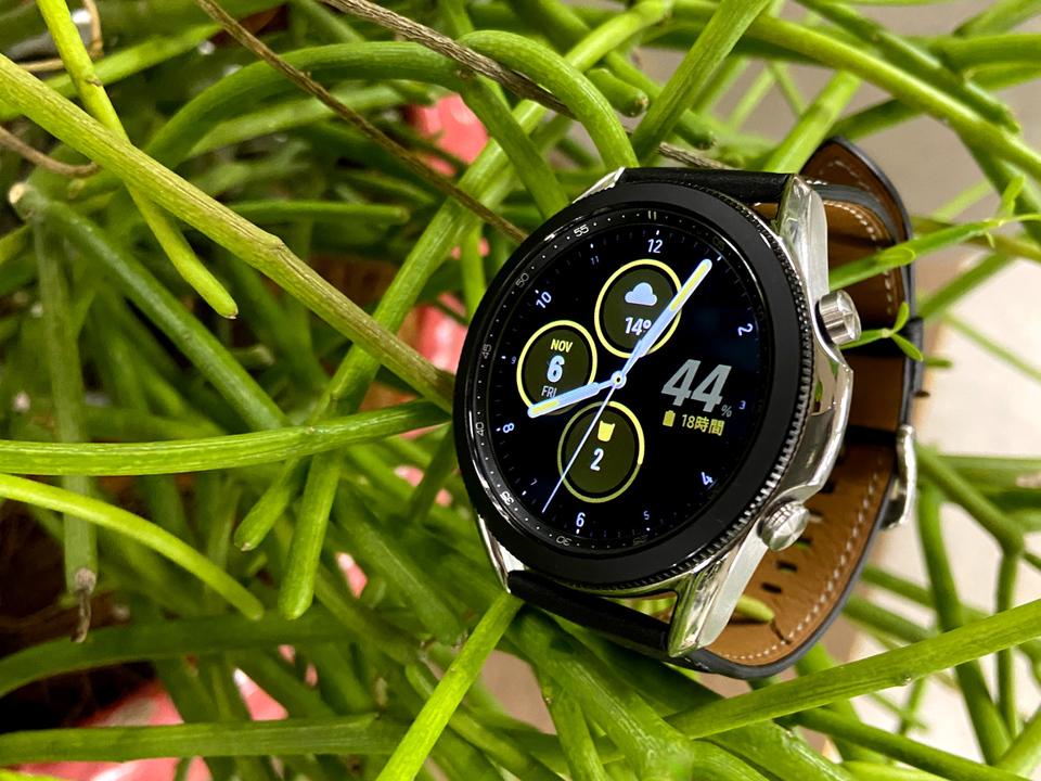 「スマホのサブディスプレイ」として最高のスマートウォッチ:Galaxy Watch 3