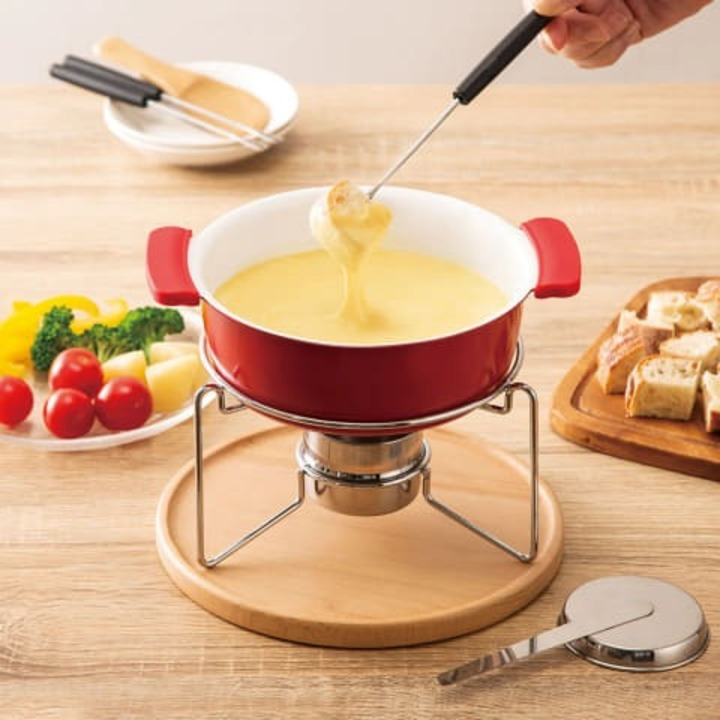 寒い冬だから、ニトリのチーズフォンデュ鍋で幸せを待ちわびて