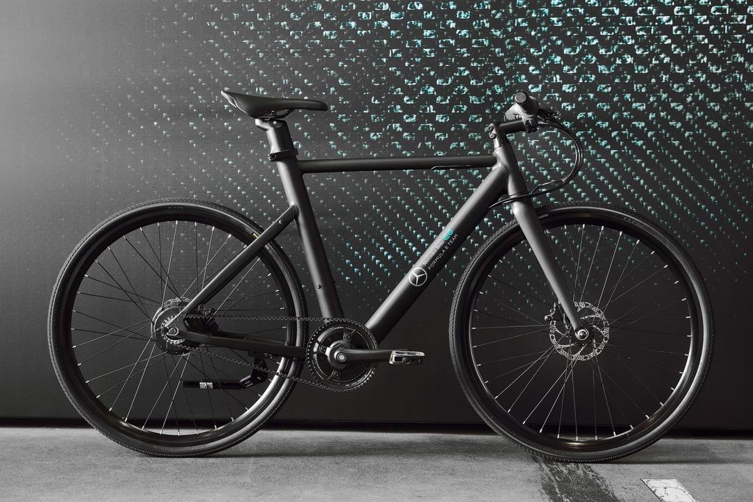 メルセデス・ベンツが33万円で買える? 重さ17kgでベルトドライブの電動アシスト自転車でした