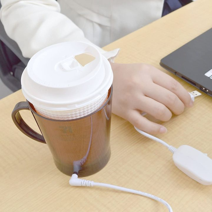 もう冷たいコーヒーとはオサラバ! 紙コップのドリンクを保温するUSBウォーマー