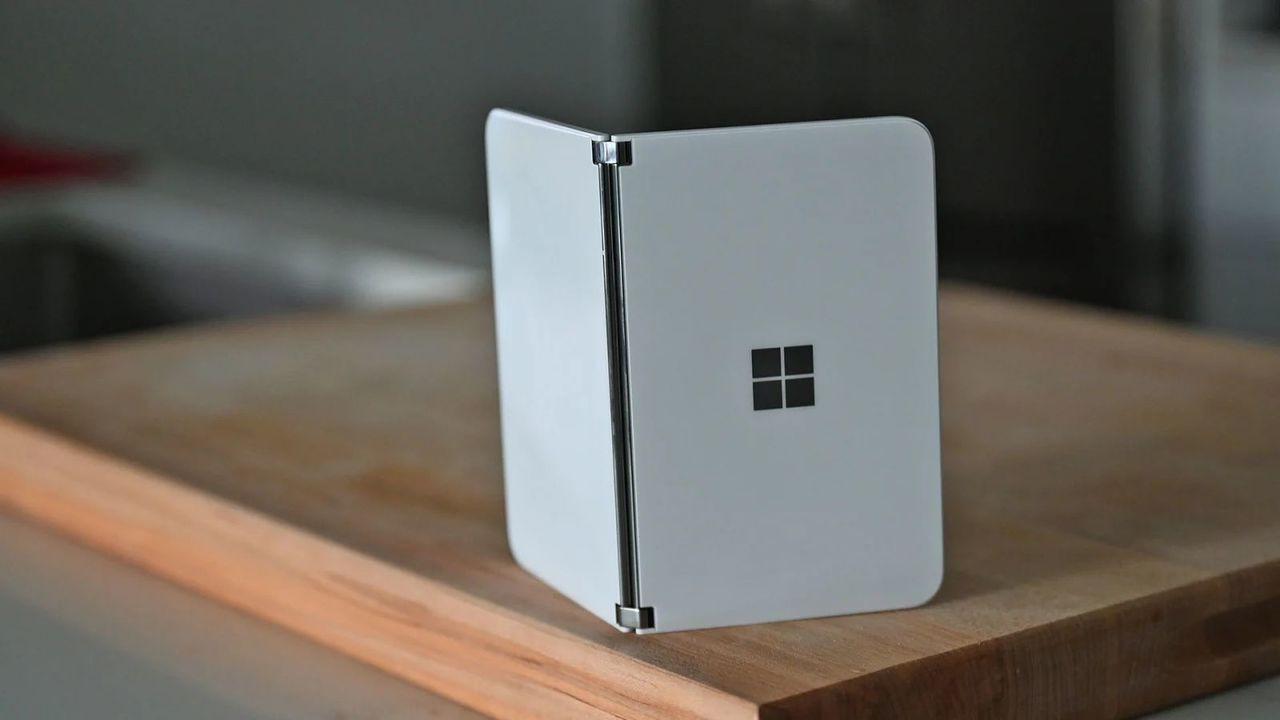 マイクロソフト、Surface Duoの提供国拡大を発表!あれ、日本は…?