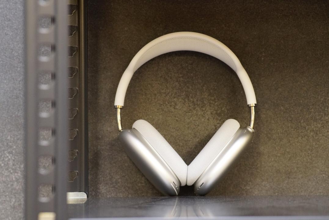 AirPods Maxファーストインプレッション:ハイエンドになった「いつものAppleの音」
