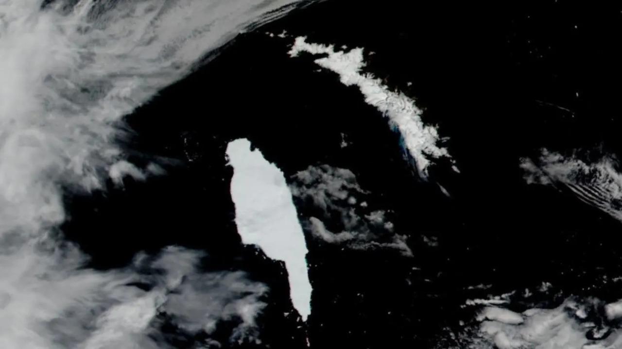 どこを指してる? 世界最大の氷山がサウスジョージア島に接近中