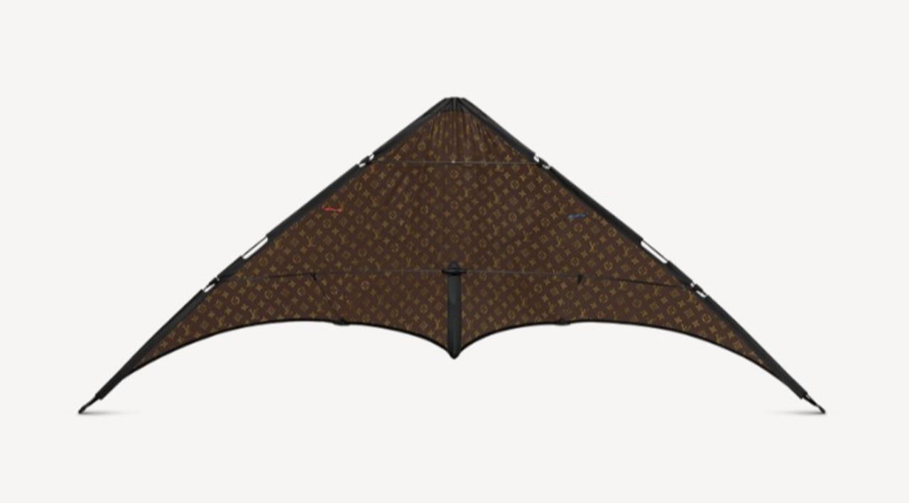 お正月には凧上げて~♪ ルイ・ヴィトン製の凧が107万円で登場