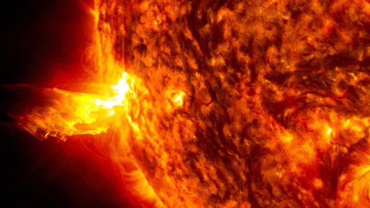地球を脅かす「宇宙の天気」を研究するNASAの新ミッション2つ