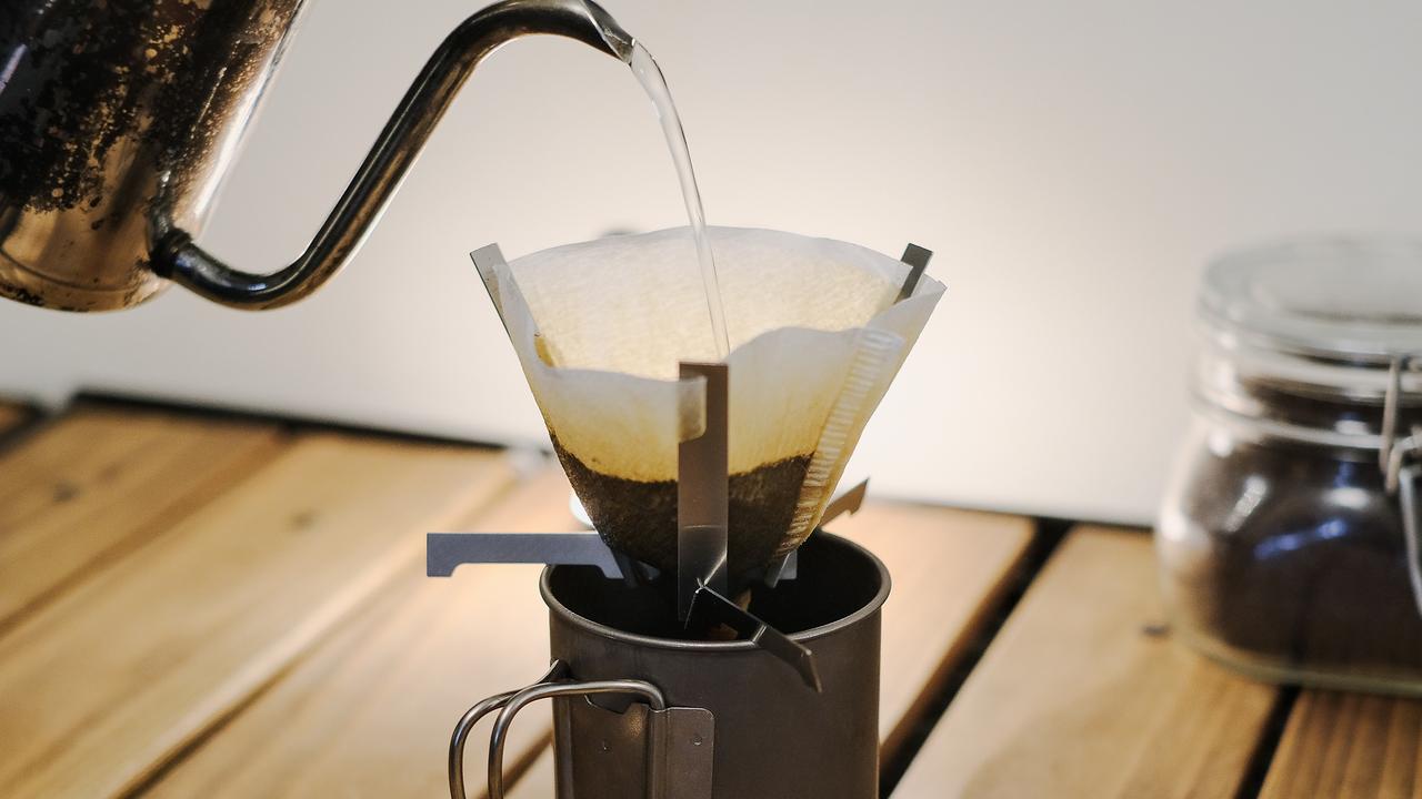 これでコーヒー淹れられるって本当!? コンパクトすぎるドリッパーを使ってみた