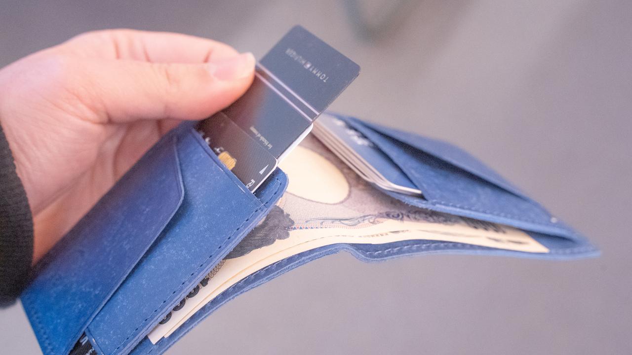 クレカ派必見! カード収納に優れたミニマル財布「Foggy_M」を使うべき理由