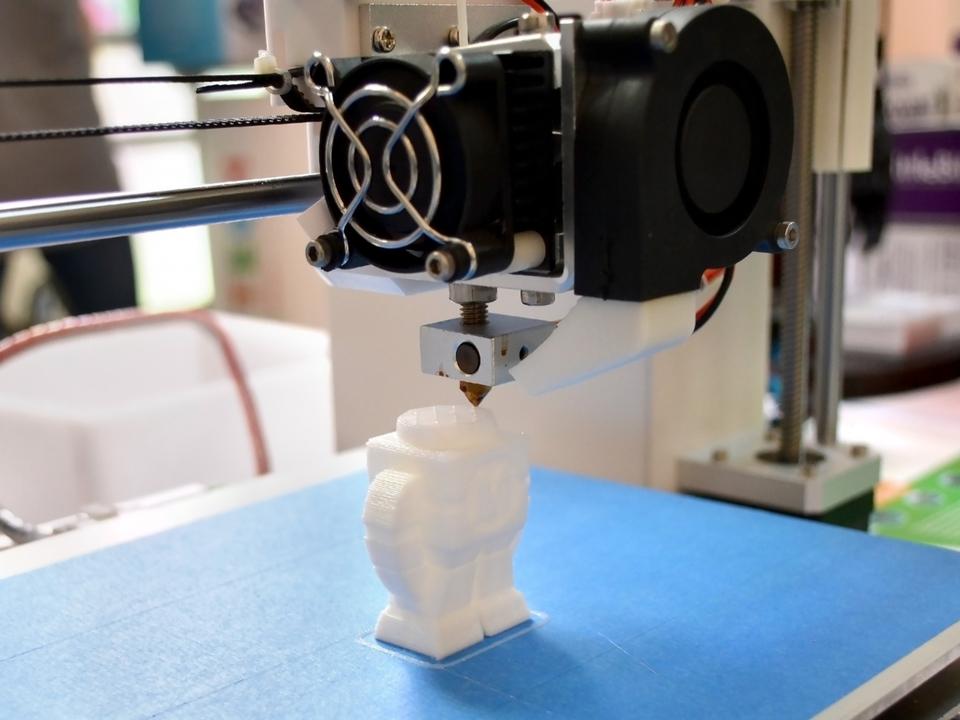もっと早く、効率的に! 3Dプリント技術の課題に取り組む研究