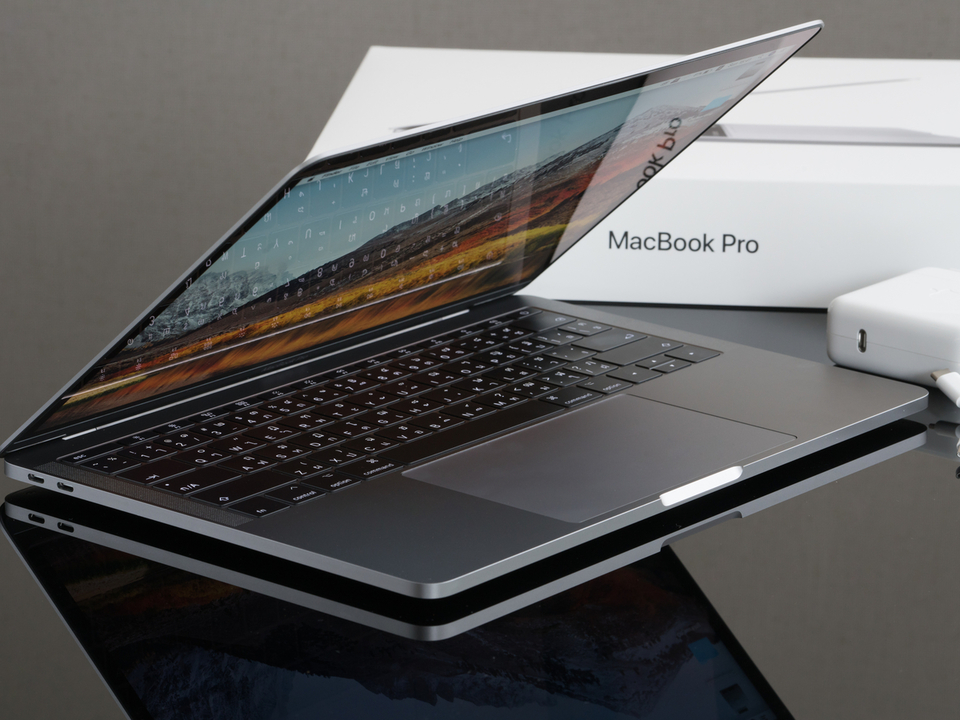 MagSafe復活で充電が高速化?次期MacBook ProはTouchBarがなくなるだけではなさそう