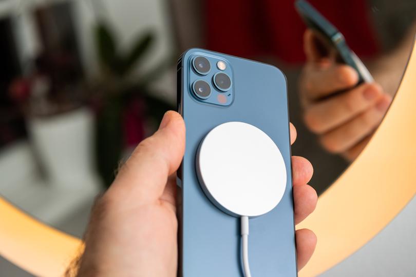 iPhone 12のMagSafeは医療機器にどう影響するの?