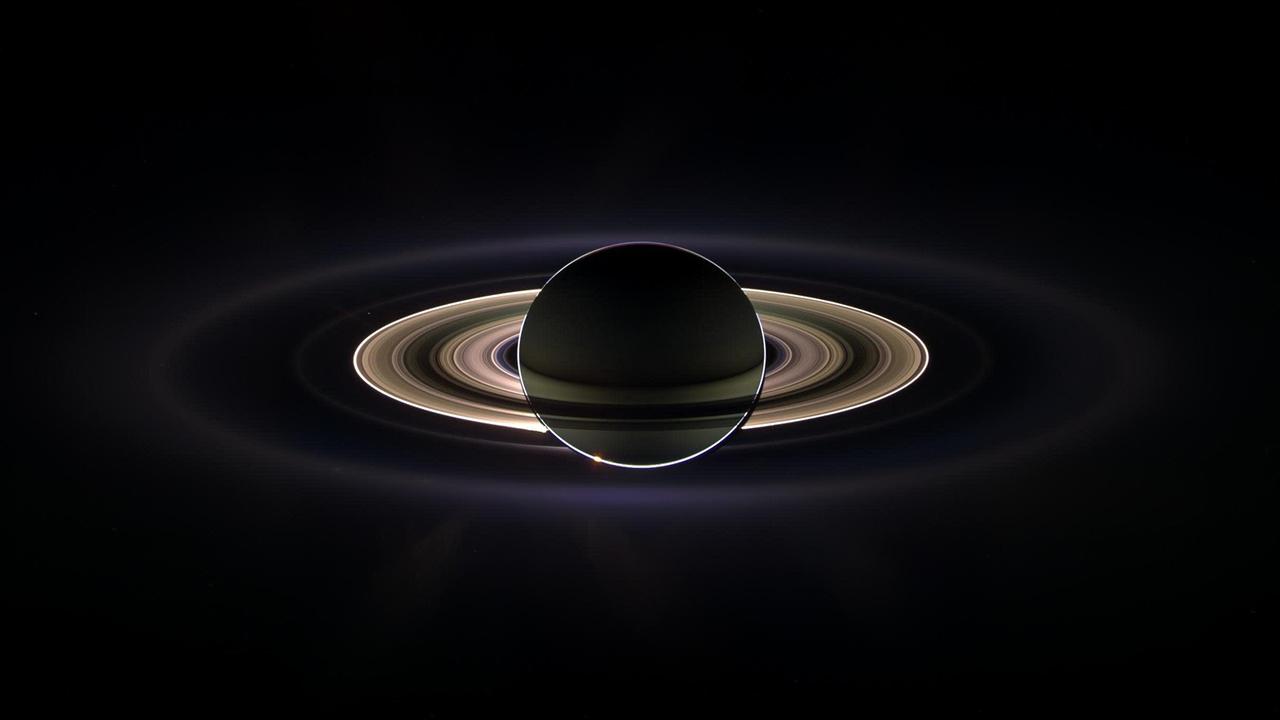 宇宙は広い。そしてつながっている。土星の衛星レアで発見された化合物はもしかしたら衛星タイタンから飛んできたのかも