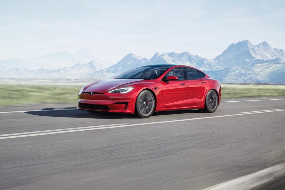Tesla Model Sがリニューアル 車内ディスプレイが横置きに!