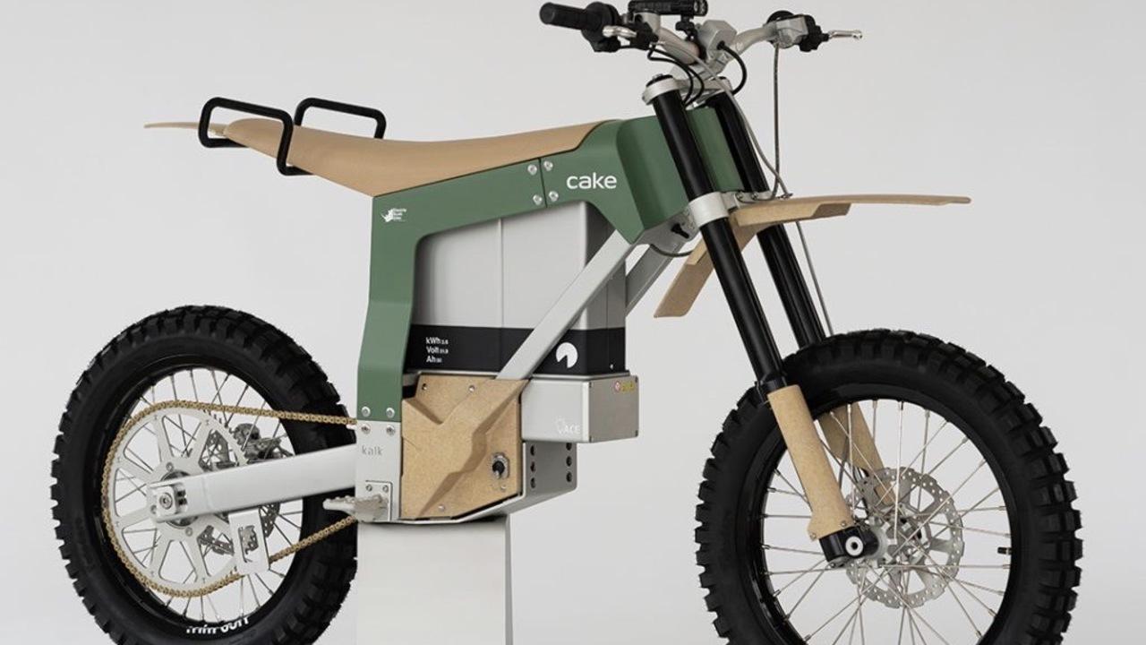 太陽光パネルで充電! アフリカの密猟監視でレンジャーが乗るためのEVバイクが超クール