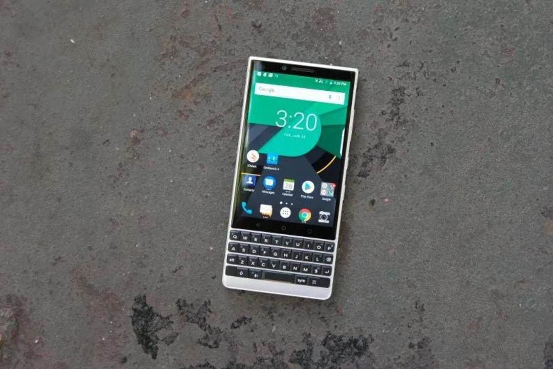 BlackBerry株が爆上げ…も、重役たちはサッサと売却処分して見切り?