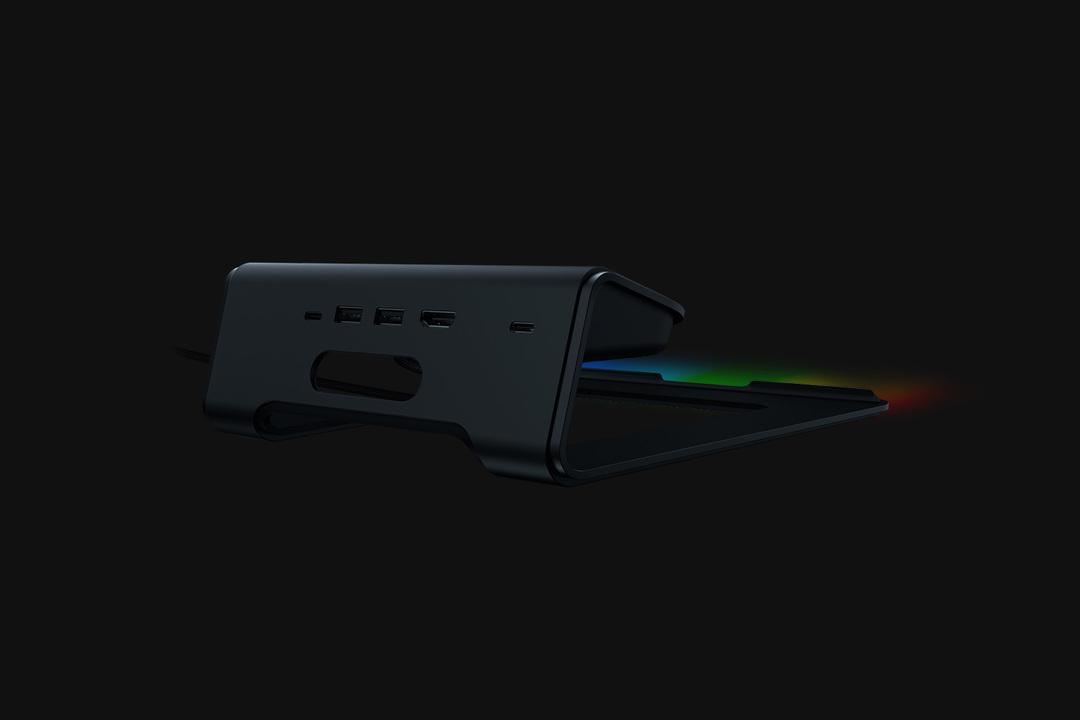 RAZERから極彩色に光る「ラップトップ・スタンド」。USB-CやHDMIポートでデュアルモニターのハブになる
