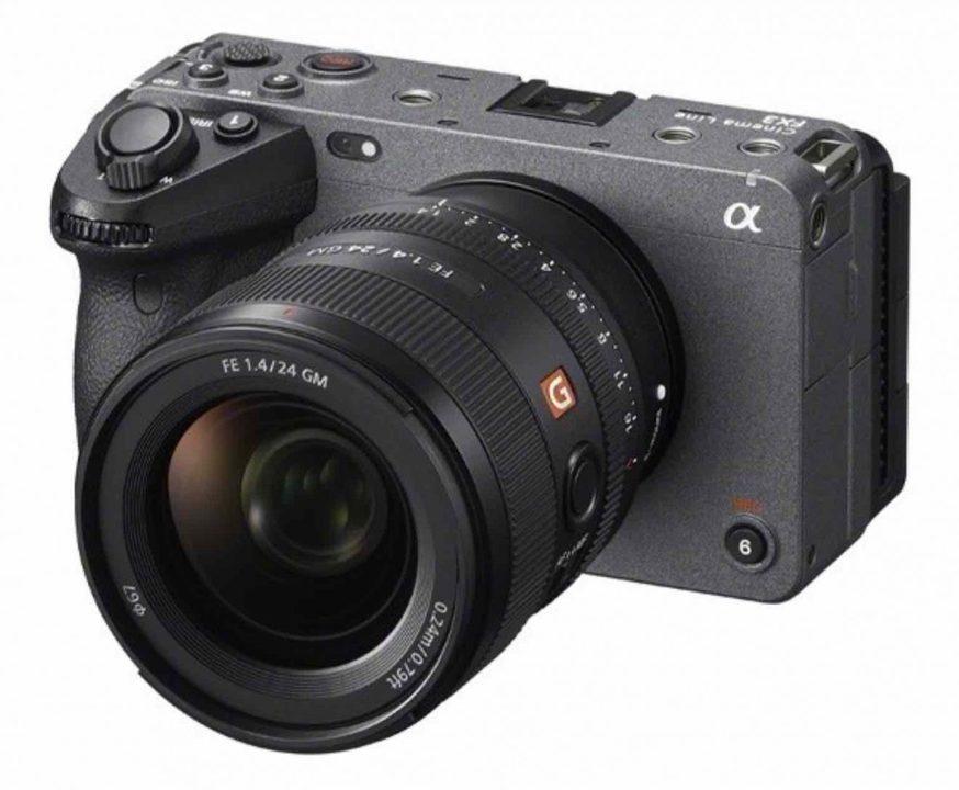 これはα7C? ちがう「FX3」って書かれてる! 超小型シネマカメラか!