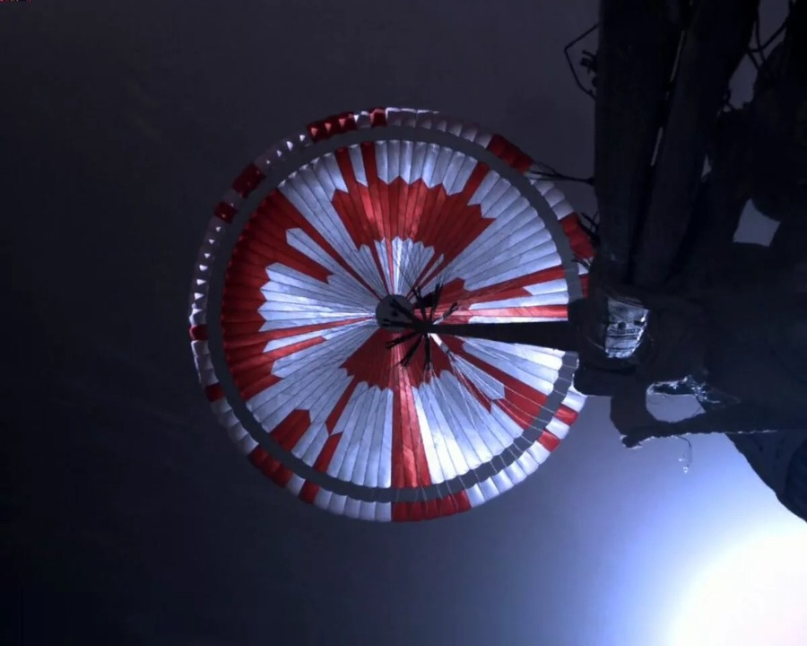 火星に降り立った探査機「パーサヴィアランス」、パラシュートの模様には暗号が隠されていた