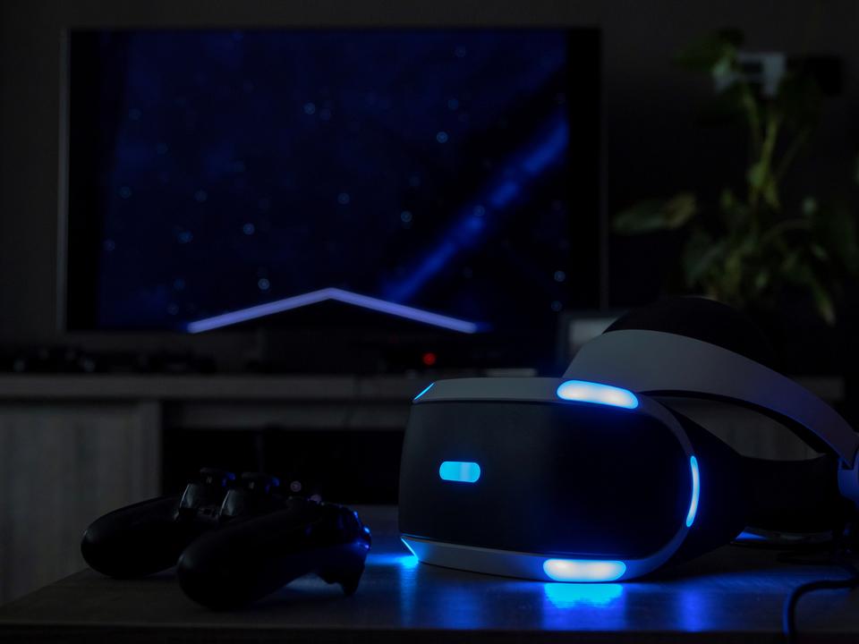 次期PS VRは2022年以降発売! ケーブル1本で接続OK