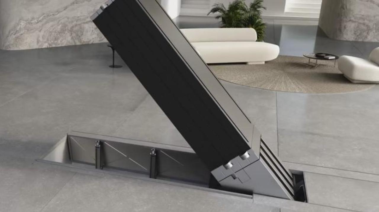 165インチの大画面テレビ、まさかの床下から登場する機構で発売中!