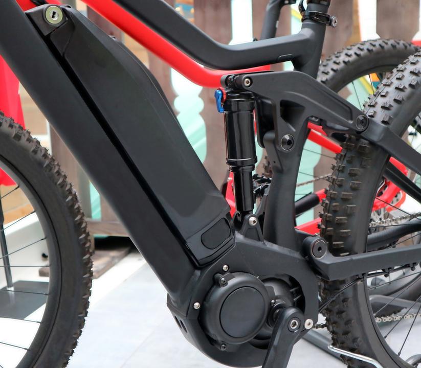 ホンダやヤマハ等バイクメーカー4社が統一規格のEVバイク用交換式バッテリー開発へ
