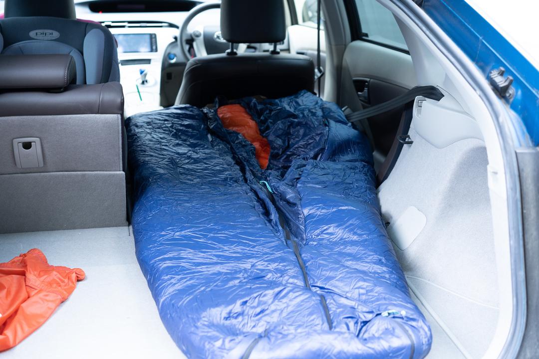 寝袋の常識が変わる!?ヒマラヤ冒険家が開発した「Solo QUilt」を車内で使ってみた