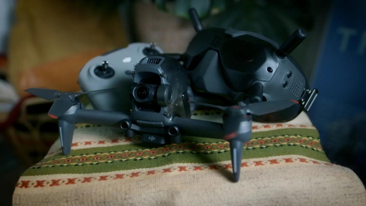 DJI FPV Droneレビュー:一人称視点で空から世界を見る、気分サイコーです!