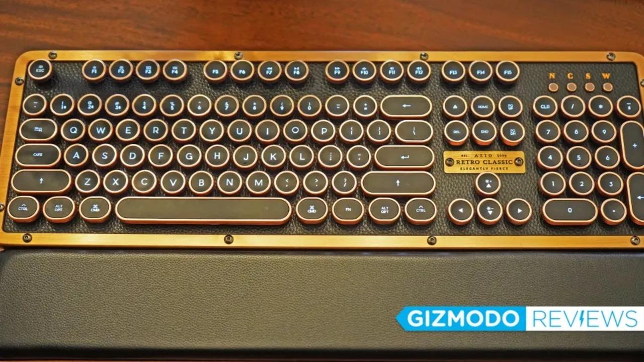 スチームパンク好きにはたまらない、Azioのレトロなタイプライター風キーボード