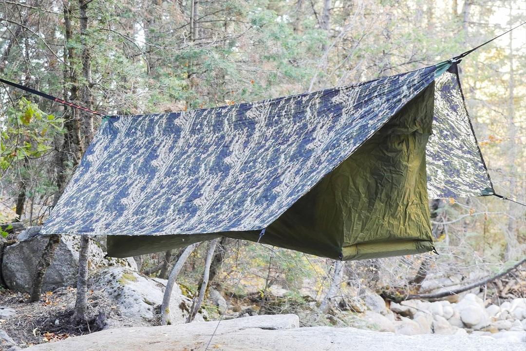 空中でキャンプはいかが? 腰にも優しいハンモック型テント「Haven Tent」に新色と新サイズが登場