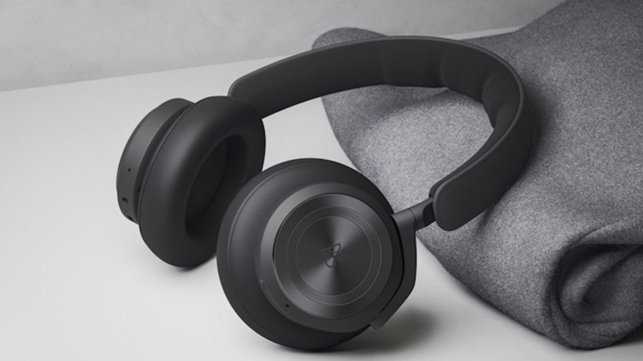 バング&オルフセンの無線ヘッドフォン「Beoplay HX」はANC自動調整が可能