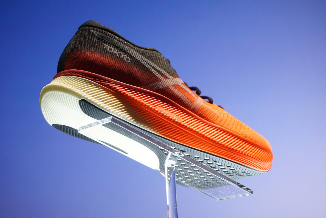 1ミリ秒でも早く走りたいあなたへ。アシックスの新ランニングシューズ「METASPEED」