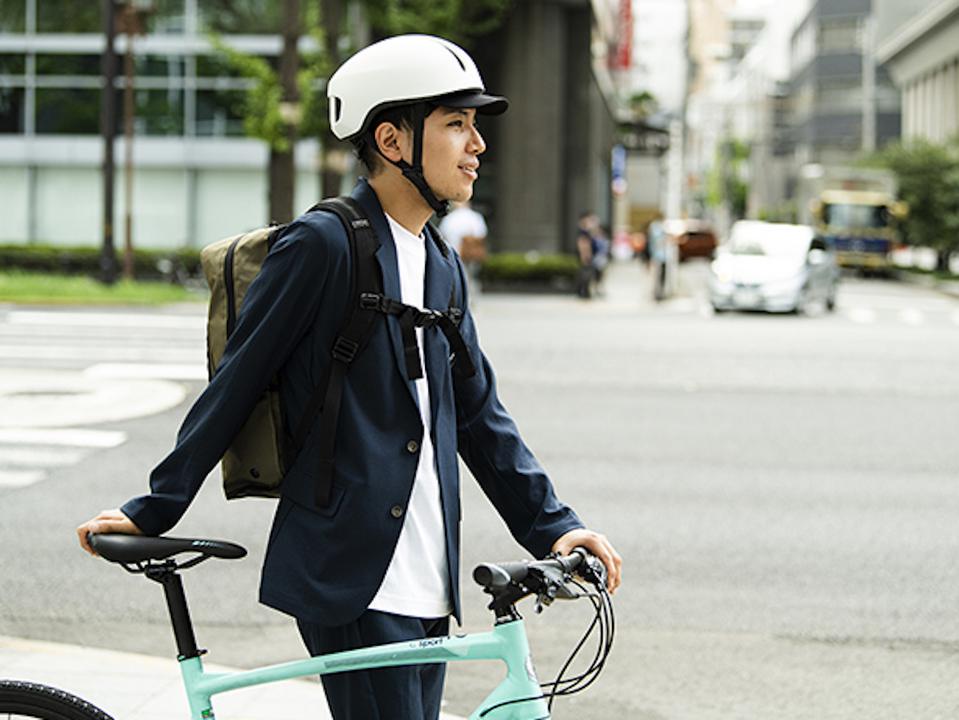 春の新生活。自転車ヘルメットは忘れずに