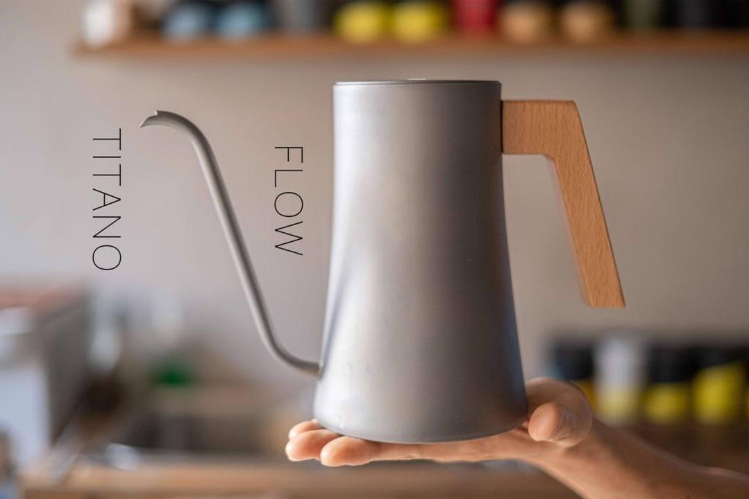 まさに究極のコーヒーウェア!チタン素材の革新的ケトル「FLOW」がmachi-yaに登場