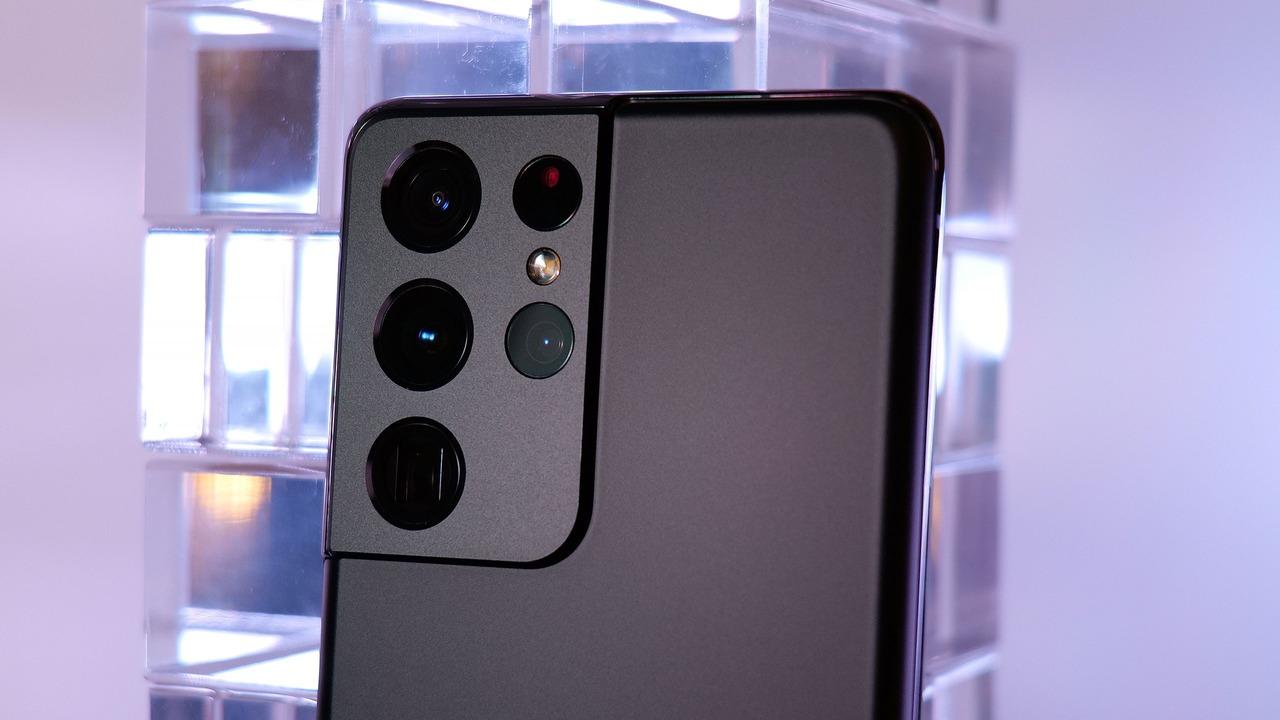 Samsungがオリンパスと提携? 今後Galaxyカメラにセンサーシフト式手ブレ補正が導入されるかも